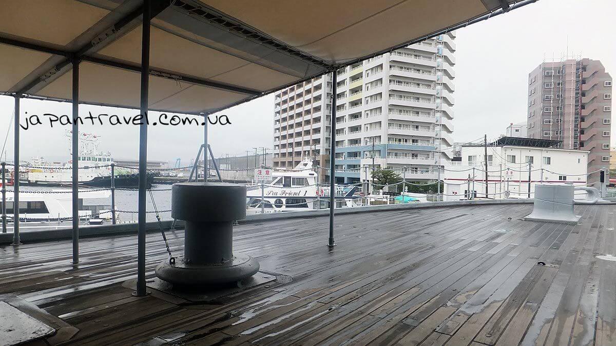 Вид на місто Йокосукя з палуби корабля Мікаса