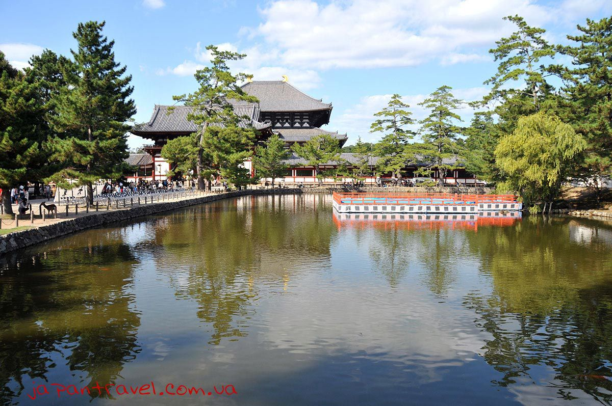 озеро-перед-храмом