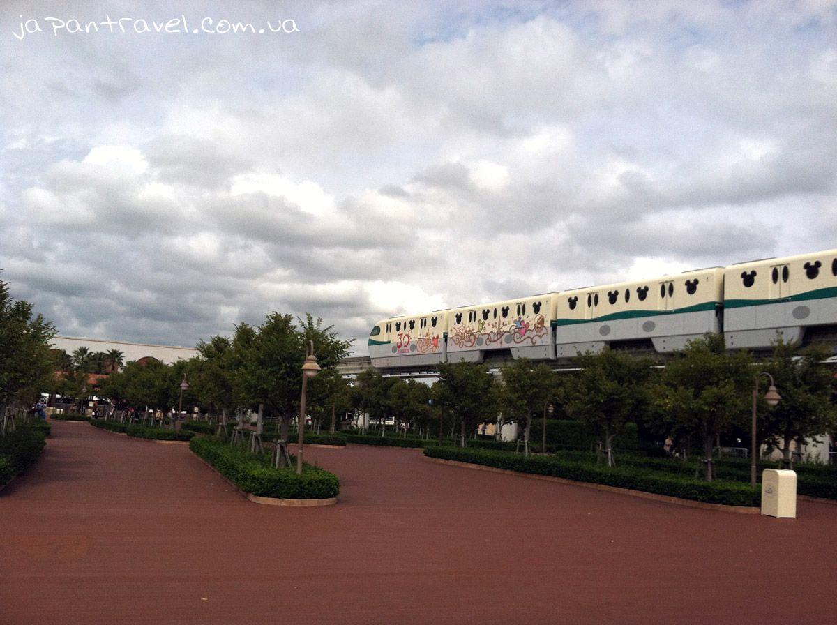 дісней-сі-мандрівки-японією-діснеївський-поїзд