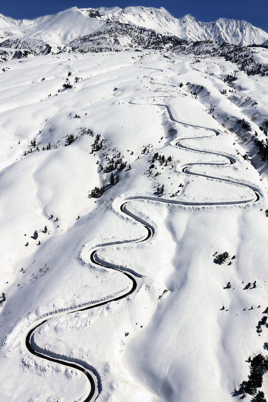 Tateyama Kurobe Alpine route Татеяма дах японії мандрівки японією