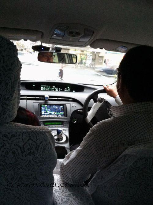 2-таксі-ліля-тяжка-японія