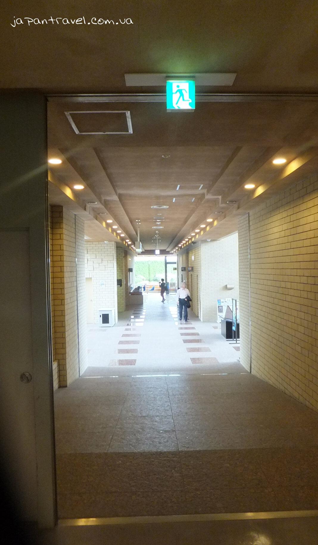 vyhid-muzej-jokosuka-mandrivky-yaponijeyu