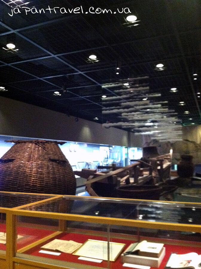zal-sudnoplavstva-ta-korablebudivnytstva-muzej-jokosuka-mandrivky-yaponijeyu